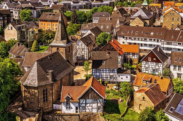 Ein wunderschöner Ausblick über die Felder der Eifel